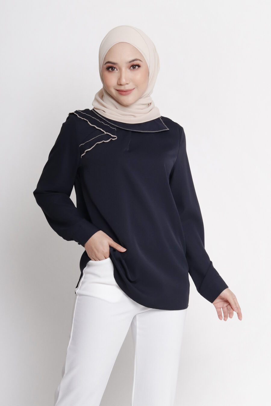 Amy Casual Top Navy